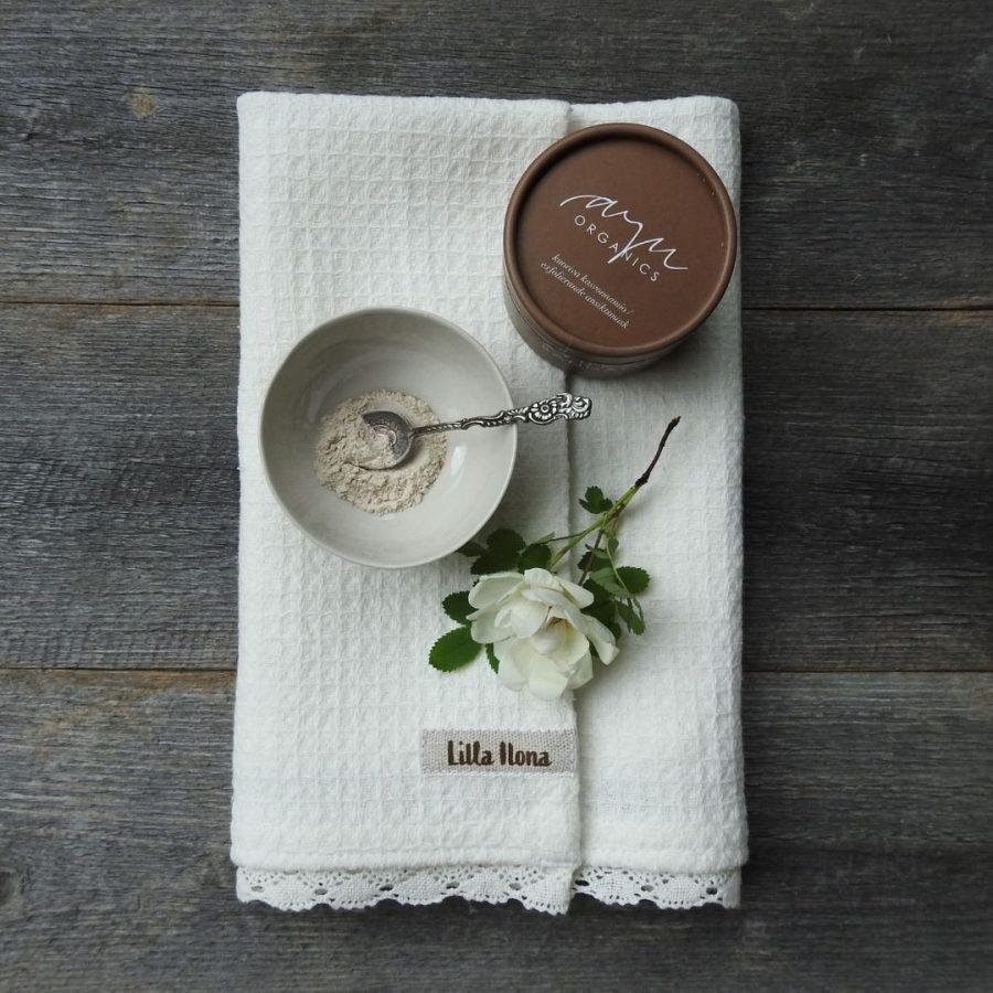 Pyyhe ja naamio-49732c3a