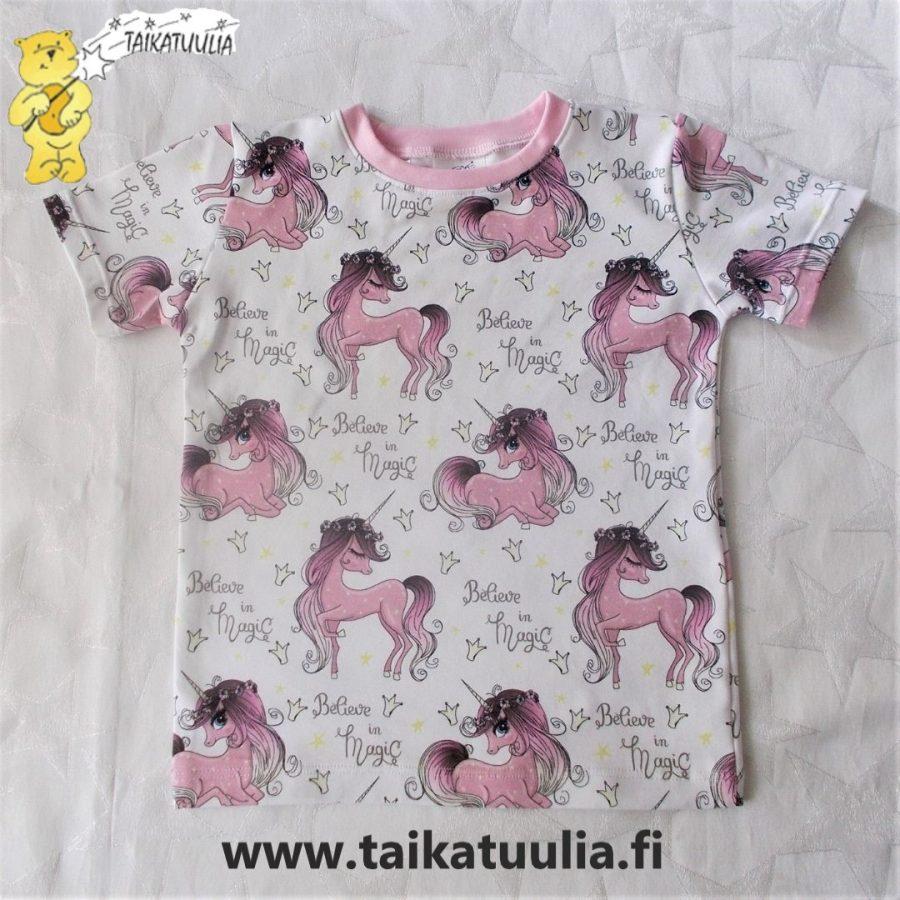 Yksisarvinen T-paita logolla-210f95a4