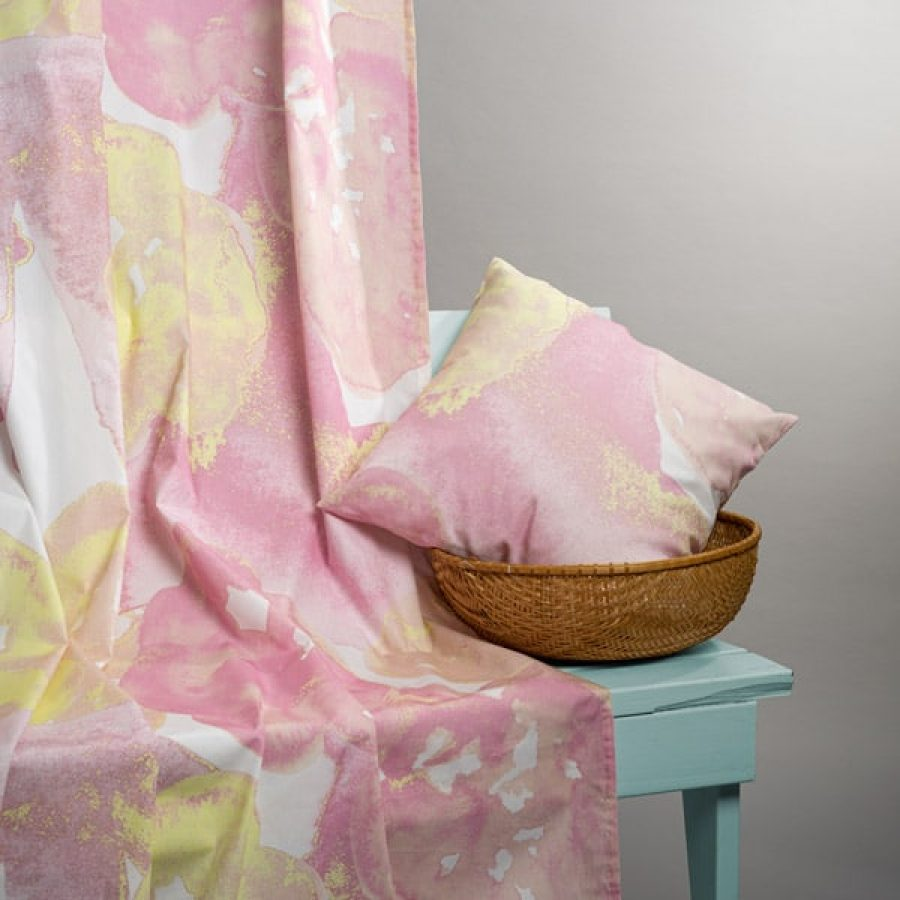 kukallinen-verho-kukkiva-vaaleanpunainen-2-6137441e