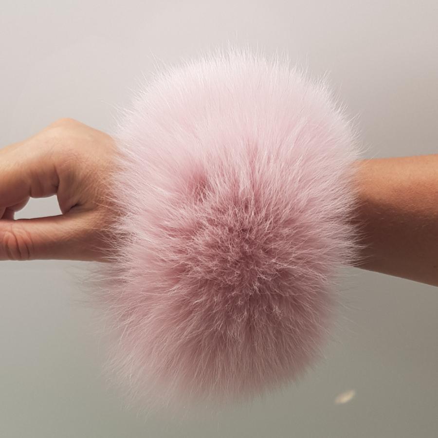vaaleanpunrannekekäsi-cd6f960c
